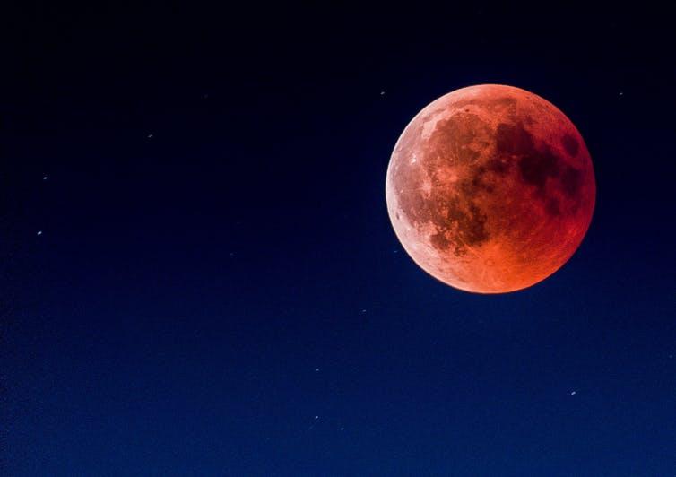 À qui appartient la Lune et ses ressources naturelles ?