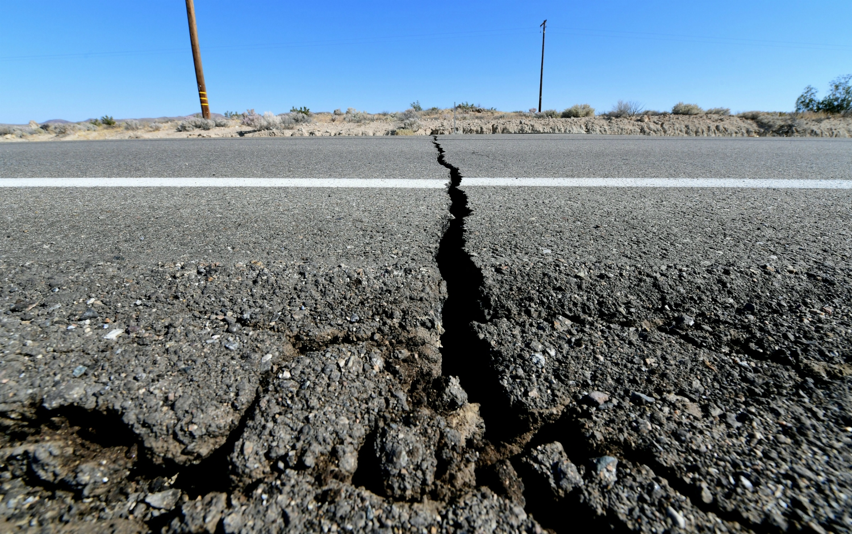 earthquake-preparedness-tips-frederic-j-brown-getty[1]